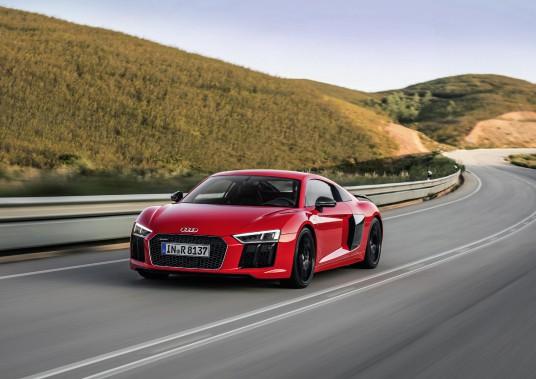 Audi R8 ()