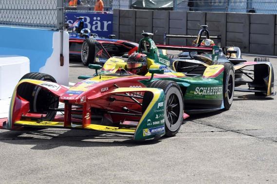 Le Brésilien Lucas di Grassi (écurie Abt-Schaeffler-Audi) lors du GP de Formule E de Berlin à l'aéroport désaffectéTempelhof, de Berlin, le 11 juin. (AFP)