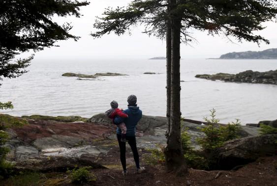 En camping sur le bord de l'eau avec un enfant en bas âge, les moments de répit se font rares... (Le Soleil, Yan Doublet)
