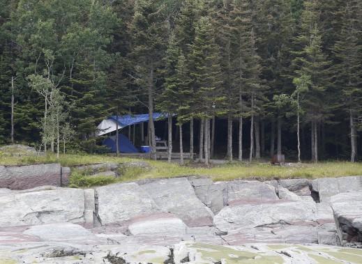 Un des magnifiques sites de camping de l'Île-aux-Lièvres (Le Soleil, Yan Doublet)