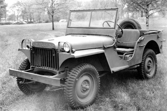 1941 : Au fil des années, la Jeep Wrangler a répondu à différents noms : CJ, YJ, TJ, JK et J8 (dans sa version militaire). ()