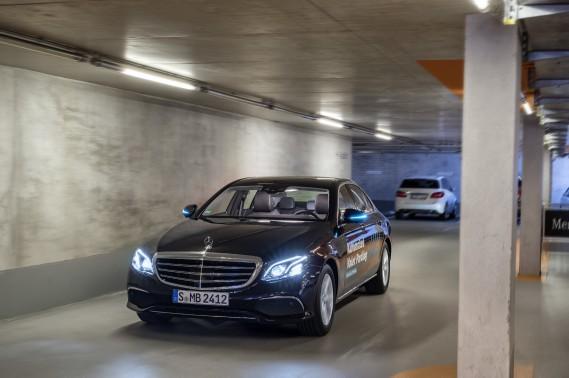 (Daimler AG)