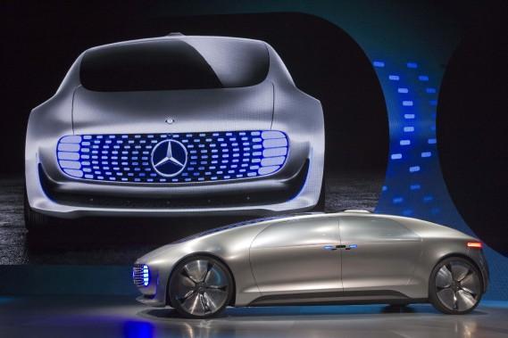 La voiture de ses rêves : une auto qui se conduira toute seule. Il n'a nommé aucune voiture en particulier, on lui souhaite ce prototype futuriste Mercedes-Benz Luxury in Motion, 100 % électrique, 100 % autonome... lorsqu'elle sera plus qu'un rêve. (REUTERS)