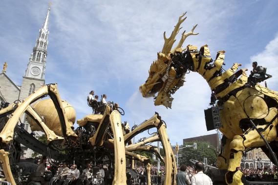 Long Ma veut récupérer son temple sacré dérobé par Kumo, ce qui lui rendra ses ailes, brulées par l'araignée, selon le scénario de La Machine. (Patrick Woodbury, Le Droit)