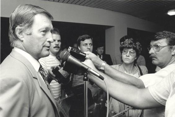 Lors d'une conférence de presse en 1985 (Archives le soleil, Jean-Marie Villeneuve)
