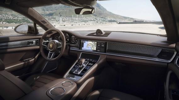 L'intérieur de la Porsche Panamera Sport Turismo (Photo fournie par Porsche AG)