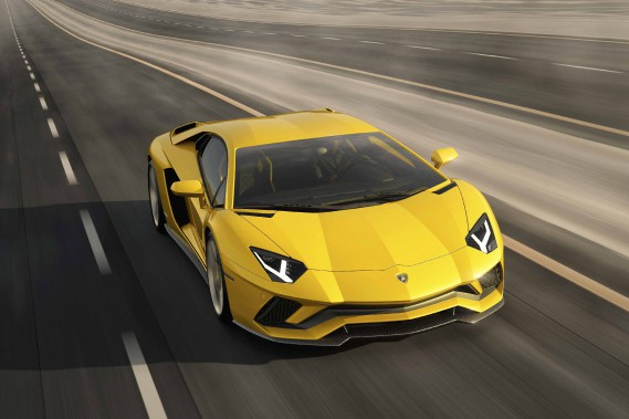Lamborghini Aventador: combat perpétuel