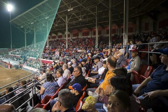 Les Aigles ont enregistré leur meilleure foule de la saison mardi soir. (Olivier Croteau)
