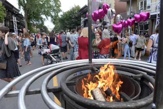 Il y avait une bonne foule sur la 3e Avenue jeudi en début de soirée. (Le Soleil, Jean-Marie Villeneuve)