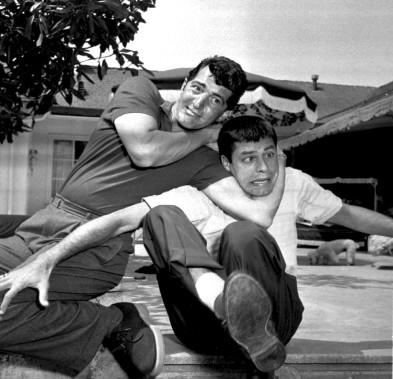 Jerry Lewis et Dean Martin (à gauche) en mai 1956 (AP)