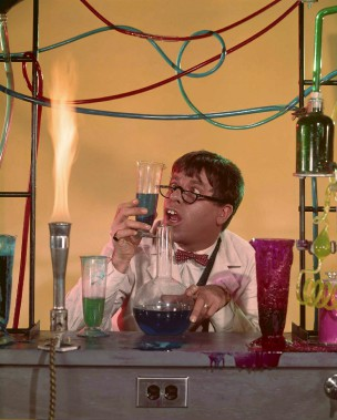 Une publicité pour le film <em>Docteur Jerry et Mister Love</em> (<em>The Nutty Professor</em>) en 1963 (AP)