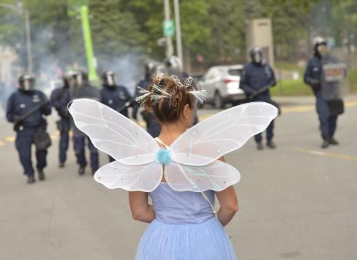 Une manifestante pro-immigration (Le Soleil, Yan Doublet)