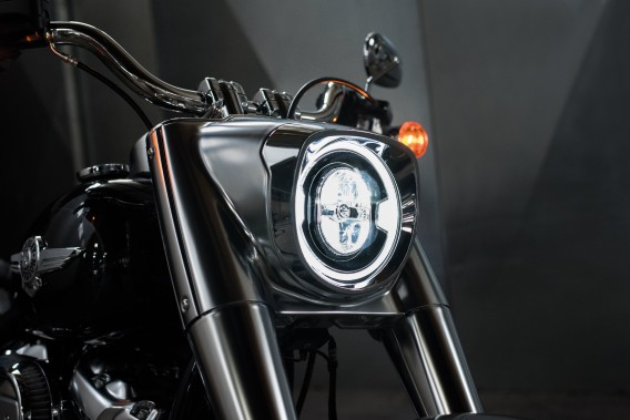 Le phare de la Fat Boy 2018. (Photo : Harley-Davidson)