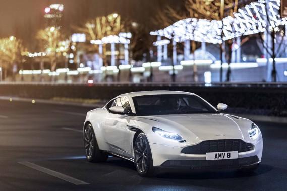 Objet de moindre convoitise sans doute qu'une Ferrari ou une Rolls-Royce, l'Aston Martin reste pourtant une voiture d'exception. Son prix, ses prestations et son exquise élégance suffisent à le rappeler. (Toutes les photos : Aston Martin)