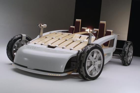 En 2002, le prototype Ford MA avait été montré dans des musées d'art et utilisé comme voiture concept dans des Salons de l'auto. (Photo : Ford)