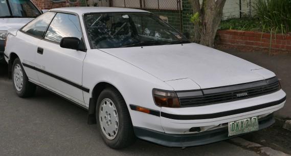 <strong>La voiture qui a marqué son enfance -</strong> Quand il avait 6 ou 7 ans, son père le conduisait à ses matchs de soccer dans cette une Toyota Celica sport. (Photo : Wikipédia)
