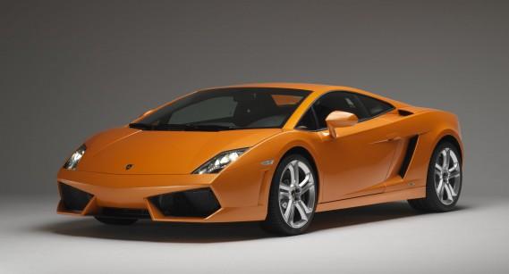 <strong>La voiture de ses rêves -</strong> Il se sent attiré par la Lamborghini Gallardo : «C'est sport, c'est compact.» Trop compact pour une famille qui élève trois enfants, donc ce ne sera pas pour tout de suite.<br /><br /><br /> (La Presse)