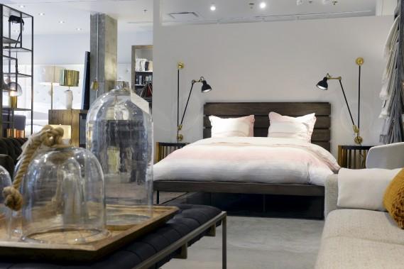 Quatre lits sont exposés en magasin. (Le Soleil, Jean-Marie Villeneuve)