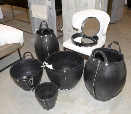 Ces paniers importés de France sont fabriqués à partir de pneus recyclés. Vendus entre 25 et 130$. (Le Soleil, Jean-Marie Villeneuve)