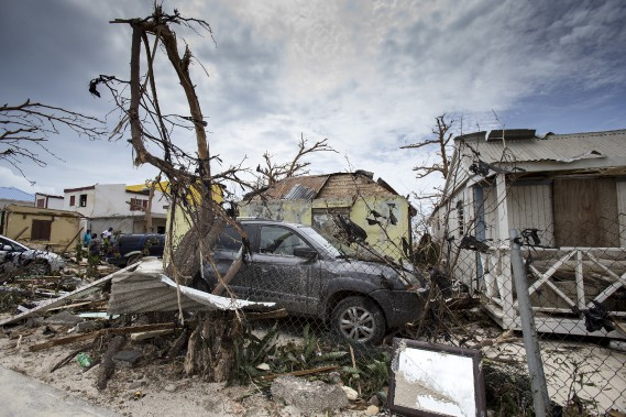 À Saint-Martin, tout a «été soufflé» comme «par une bombe atomique», a témoigné Dany Magen-Verge, une habitante de cette île. (AP, Gerben Van Es/Dutch Defense Ministry)