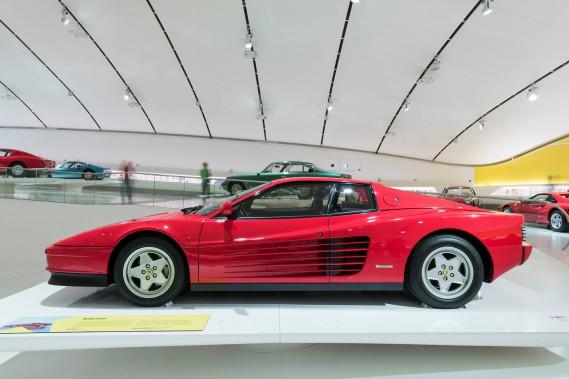 Une Ferrari Testarossa au Museo Casa Enzo Ferrari en Italie. (La Presse)