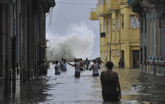 Au moins 10 morts à Cuba — Ouragan Irma