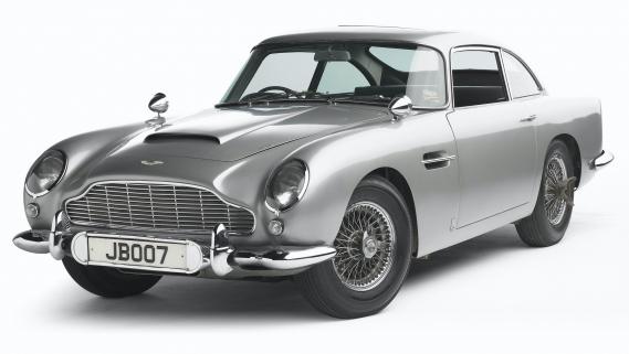 <strong>LA VOITURE DE SES RÊVES -</strong>Ou bien une Tesla, pour son côté révolutionnaire pour la protection de l'environnement. Ou bien, l'Aston Martin DB5 pour le pur plaisir de rouler dans une voiture quasi-poétique. ()