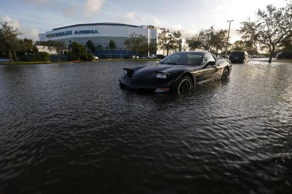Pas une bonne journée pour rouler en Corvette. (AP)