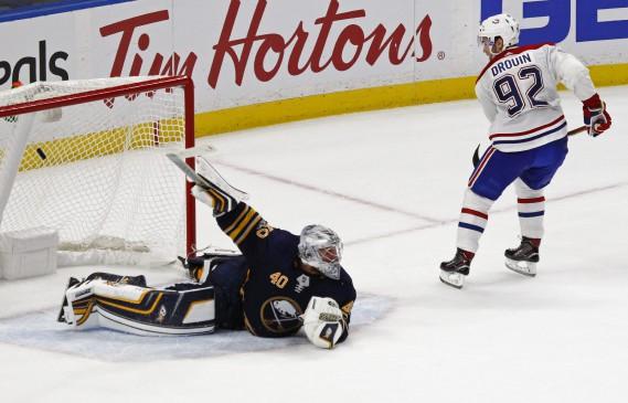 Jonathan Drouin a déjoué Robin Lehner d'un puissant tir du revers en tirs de barrage pour donner la victoire au Canadien. (Photo Jeffrey T. Barnes, AP)