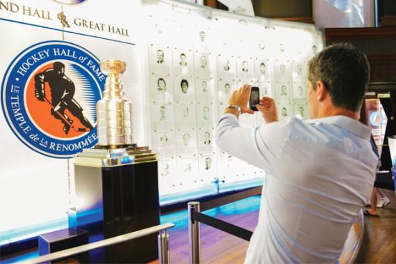 Le temple de la renommée du hockey ()