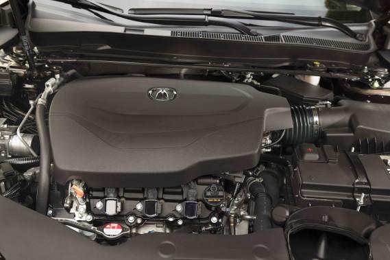 La TLX A-Spec bénéficie aussi de réglages plus affûtés (suspension et direction), de pneumatiques plus performants, mais point de moteur plus musclé. L'A-Spec ne déménage pas plus que ses semblables. ()