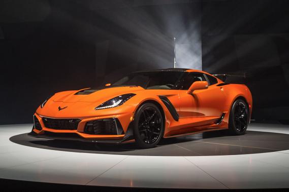 Chevrolet affirme que la ZR1 2019 est la Corvette la plus puissante et la plus rapide jamais fabriquée en production normale, à l'usine. On la voit ici lors de son dévoilement à Dubai. ()
