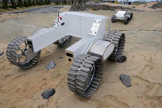 La technologie utilisée dans ce rover lunaire fabriqué au Canada est maintenant utilisée dans des robots sur roues allant au fond des mines faire des tâches trop risquées pour des humains. (Photo: Agence spatiale canadienne)