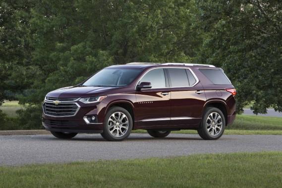 Le nouveau Traverse a perdu quelque 160 kg, dit Chevrolet. Mais ce chiffre ne touche que le modèle à quatre cylindres à traction. Qu'en est-il des déclinaisons V6 à rouage intégral plantureusement équipées ? Plus de deux tonnes, assurément. (Photo : Chevrolet)