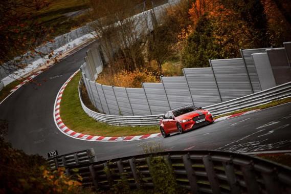 Record fracassé pour la Jaguar XE SV project 8