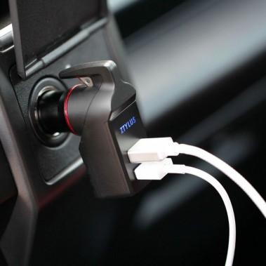 <strong>Au secours.</strong>Parlant de prises USB, pour les gens craignant d'être coincés dans un éventuel accident nécessitant de s'extirper de l'auto en brisant une vitre, le Ztylus Stinger est tout indiqué. L'adaptateur transforme une prise 12 V en deux ports USB, mais peut aussi servir d'outil d'impact pour faire éclater une vitre latérale, en cas d'urgence. 20 $. www.ztylus.com (Photo : Ztylus)