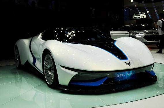 Le prototype de voiture sport électriqueArcfox-7 lors du Salon de l'auto de Pékin le 26 avril 2016. (AP)
