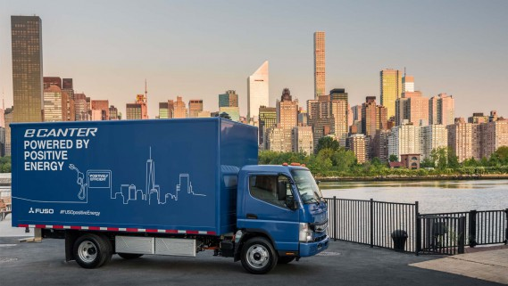 Daimler a déjà fourni huit Fuso eCanter à des organismes caritatifs de New York. ()