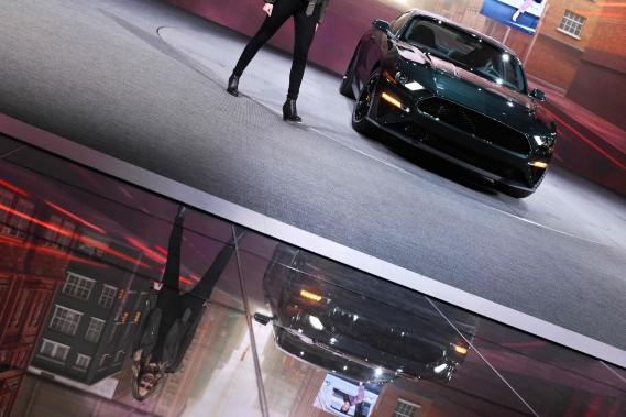 L'actrice américaine Molly McQueen, petite-fille de Steve McQueen, a présenté la Ford Mustang Bullitt 2019, une voiture sport inspirée du film du même nom, mettant en vedette l'acteur et pilote Steve McQueen. (AFP)
