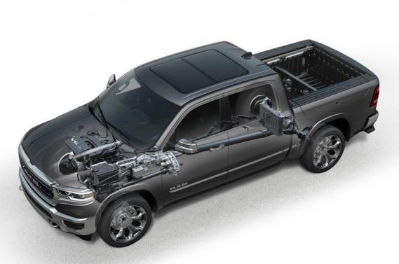 Les ingénieurs de FCA ont mis le système d'hybridation légère eAssist dans le Ram 1500. C'est un petit moteur qui marche au 48 V et qui améliore --légèrement-- l'efficacité énergétique. (Fiat Chrysler)