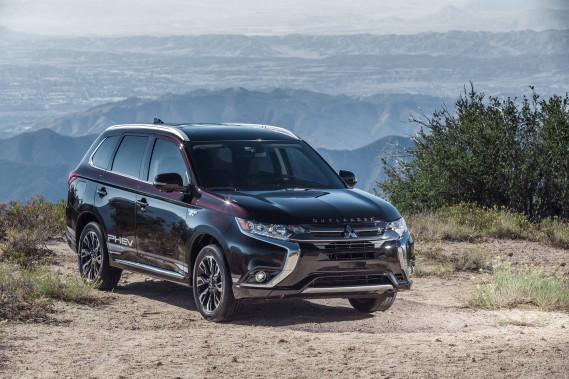 Mitsubishi au Salon de l'auto : la version hybride de l'Outlander, enfin...