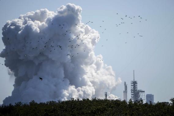 SpaceX a fait un test d'allumage au sol mercredi au Cap Canaveral, en Floride. (Florida Today, via AP)