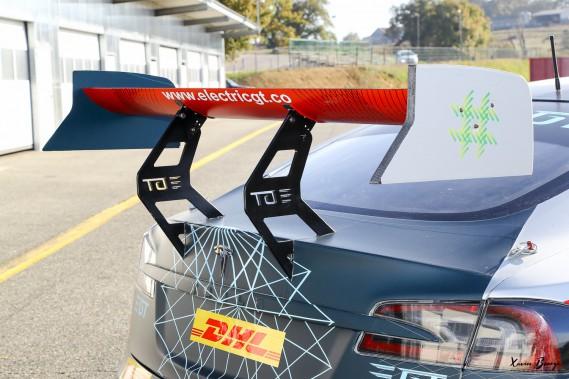 La Tesla Modèle SP100D modifiée par Electric GT a passé récemment le test d'impact de la FIA, ce qui ouvert la voie à l'homologation d'un Série électrique GT. (Toutes les photos : Electric GT Holding)