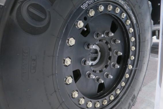 Le véhicule d'intervention d'urgence Ford F-5502018 de Skeeter Brush Trucks, a pas moins de 34 boulons par roue. ()