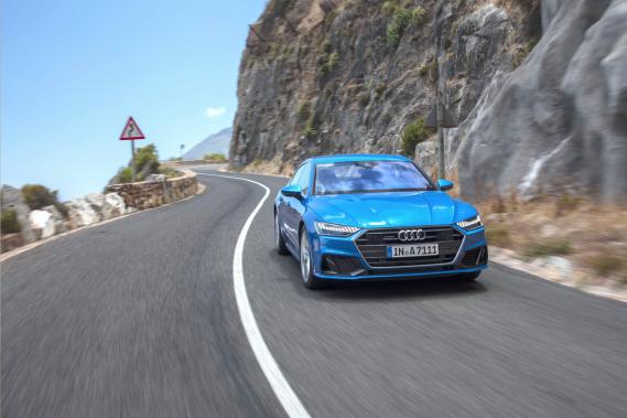 Phénomène de mode pour les uns, modèle de niche pour les autres, l'A7 Sportback a déjoué tous les pronostics. Apparue pour la première fois en 2014, cette berline fuselée comme un coupé offre une fonctionnalité rare dans son créneau (la cinquième porte). Au Canada Audi fait avec l'A7 Sportback près de 50 % de ses ventes dans le segment des grandes berlines. (Toutes les photos : Audi AG)