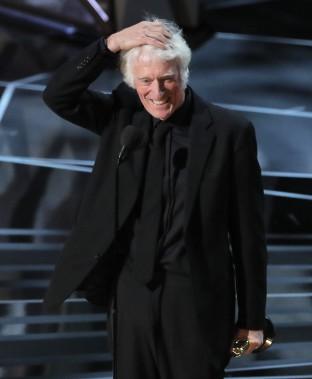 Le légendaire directeur de la photographie britannique Roger Deakins a remporté son premier Oscar en carrière, après 14 nominations, pour son travail sur <em>Blade Runner 2049</em>. (REUTERS)