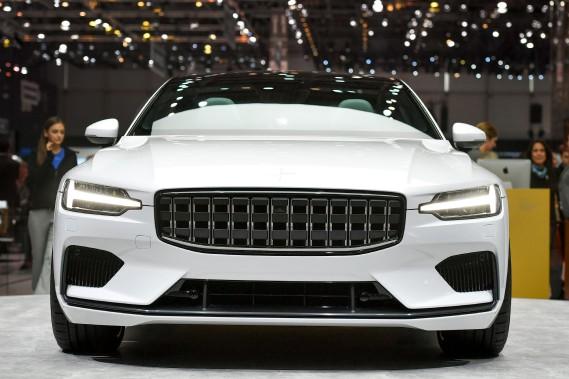 La Polestar 1, une hybride, vient de la sous marque performance de Volvo, Polestar, qui ne fera aucune voiture mue seulement par un moteur à combustion interne. Toutes seront hybrides et, éventuellement, électriques. (AFP)