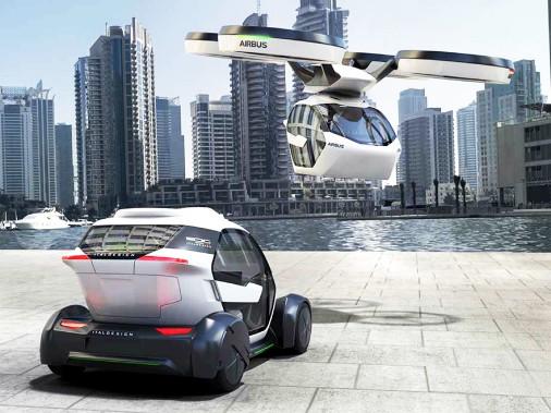 La partie basse du véhicule, qui est roulante, et la partie haute, qui est volante, sont détachables et peuvent se déplacer de manière autonome. ()