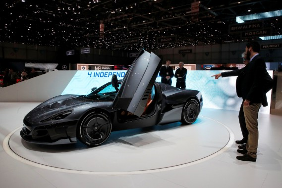 La Rimac C_Two abat le 0-100 km/h en 1,85 s et sa vitesse de pointe est de 412 km/h. (photo REUTERS)