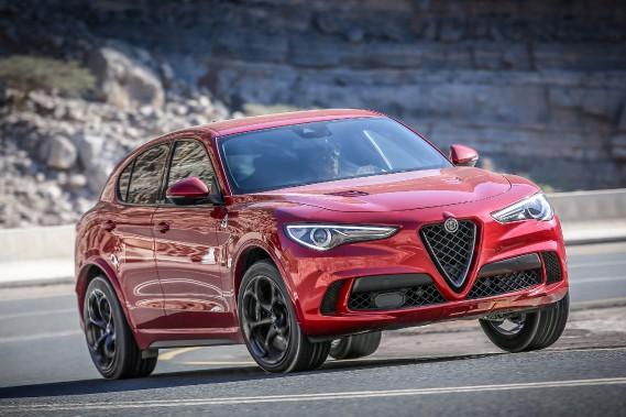 L'Alfa Romeo Stelvio est propulsé par un V6 biturbo de 2,9L extrapolé d'une mécanique Ferrari. Ce moteur a une puissance de 510chevaux, distribuée aux quatre roues motrices. (photo Alfa Romeo)